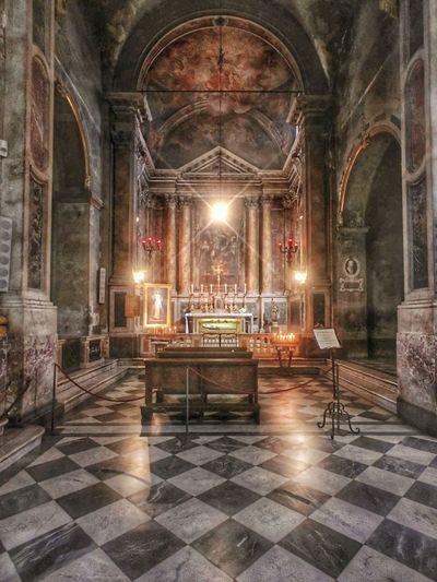 Beautiful Tuscan chapel inside amazing church Tuscan Church Tuscan Duomo