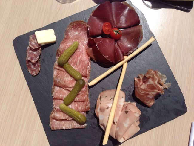 TakeoverContrast Plat Assiette Charcuterie
