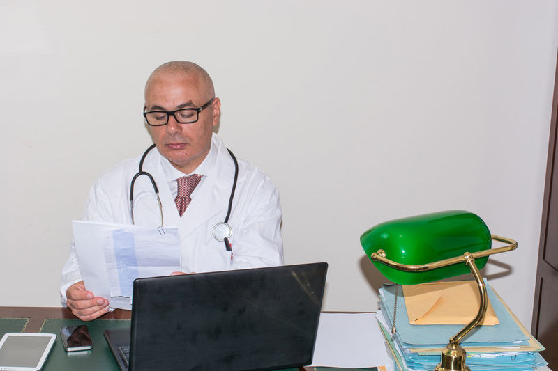 Doctor  Doctor Who Doctor's Office Doctors Office Doctors Strike Man PC Bald Bald Head Bald Man Baldeneysee Baldhead Baldi Balding Baldness Doctors Doctors Appointment