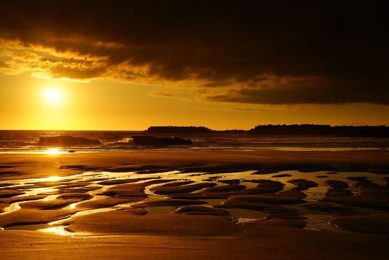 夕陽に恋い焦がれて…久しぶりの笑顔に出逢えた☀☺👌 Sunset Sunset_collection Darkness And Light Light And Shadow From My Point Of View Beach Beach Photography Landscape Seascape Sea♡love Sunset Lovers Happy Moments Lovely Nature キラキラ 黄昏隊 Kagoshima Good night 🌙 🙋