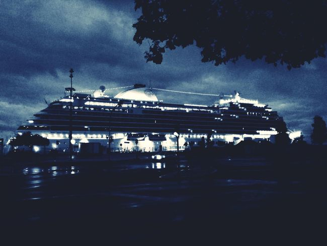 Boat Cloud - Sky City Lisbon Dawn Santa Apolonia