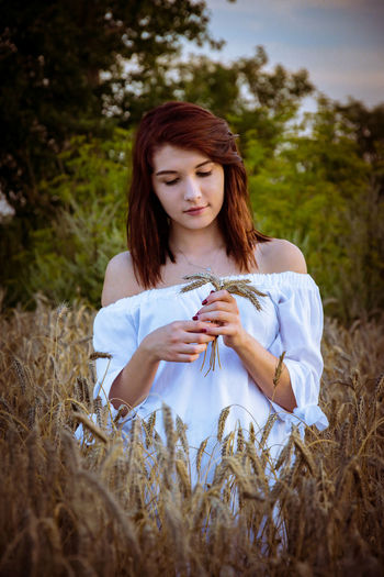 Field Girl Women One Woman Only Outdoors EyeEmNewHere EyeEm Nature Lover Nature Nature Photography Poland Photooftheday Photography Long Hair Meadow Pollen Farmland