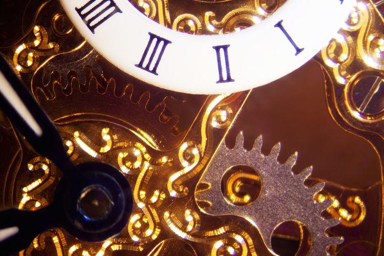 Microphoto of a Clockwork Gold Technics Analog Clock, Clockwork Close Up Cogwheels Detail Gear Macro Mechanics Microphoto Microphotography Preciuos Vintage Watch