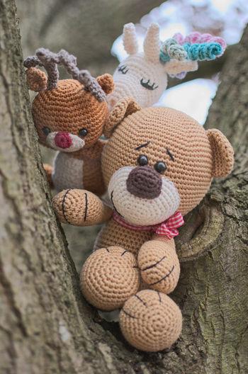 Peek a boo 😀 Stuffed Toy Toy Spielzeug Teddy Teddy Bear Unicorn Einhorn Nature Natur Close-up Day No People Tree Baum Nahaufnahme Rudolph Peek A Boo Peekaboo Kuckuck
