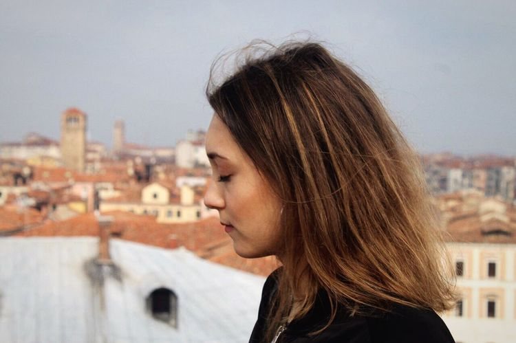 Maddalena Building Exterior Built Structure Architecture Headshot Focus On Foreground Real People One Person City Leisure Activity Roof Sky Lifestyles Outdoors Beautiful Woman Residential Building Day Women Close-up Cityscape Portrait Maddalena Foto Tumblr Profilo Fotografia -CM