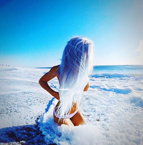 Sea And Sky Beautiful Girl Sexygirl Woman Mare Blue Onde Mermaid Artistic Light Sky Elégance Cristal