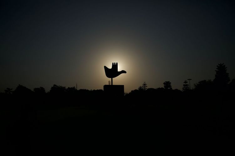 SILHOUEIGHT Architecture Chandigarh Enlight Enlightenment France Le Corbusier Silhouettes Sunlight Beauty In Nature Black Blue Blue Sky Capitol Complex Clear Sky Day French Goddess Monument Nature Open Hand Outdoors Shadow Silhouette Sunrise Sunset Be. Ready.