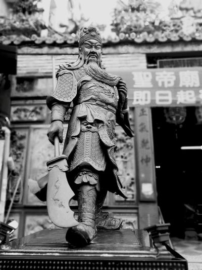 Guan Yu Pingtung City Temple Architecture Taiwanese Culture Traditional Culture Taiwan Statue Animal Representation Sculpture Religion Spirituality No People Built Structure Dragon