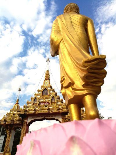 วัดสมานมิตรนครราชสีมา Thailand นครราชสีมา วัดสมานมิตร Statue Religion Sculpture Gold Sky Gold Colored Spirituality