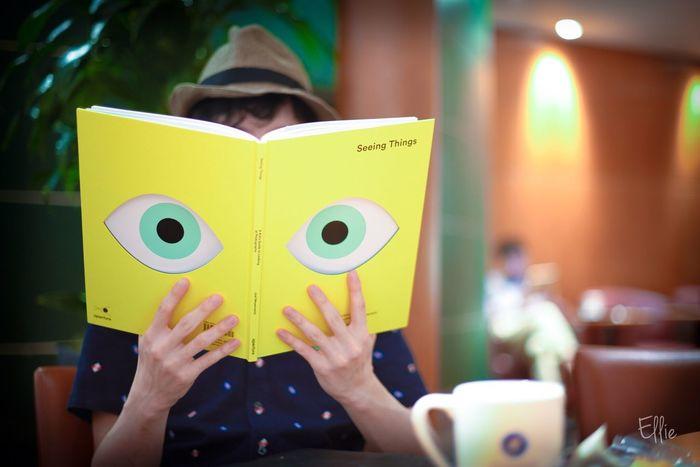 """""""読むということ"""" Indoors  Eyes Artbook Book Reading"""
