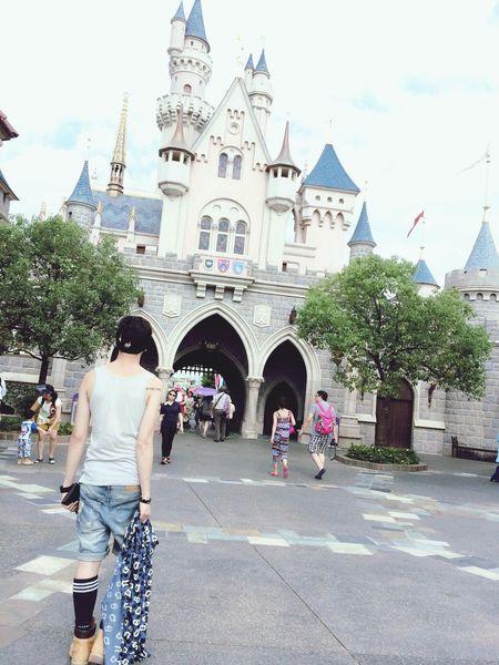 Walt Disney World Tod Ay's Hot Look Dreaming