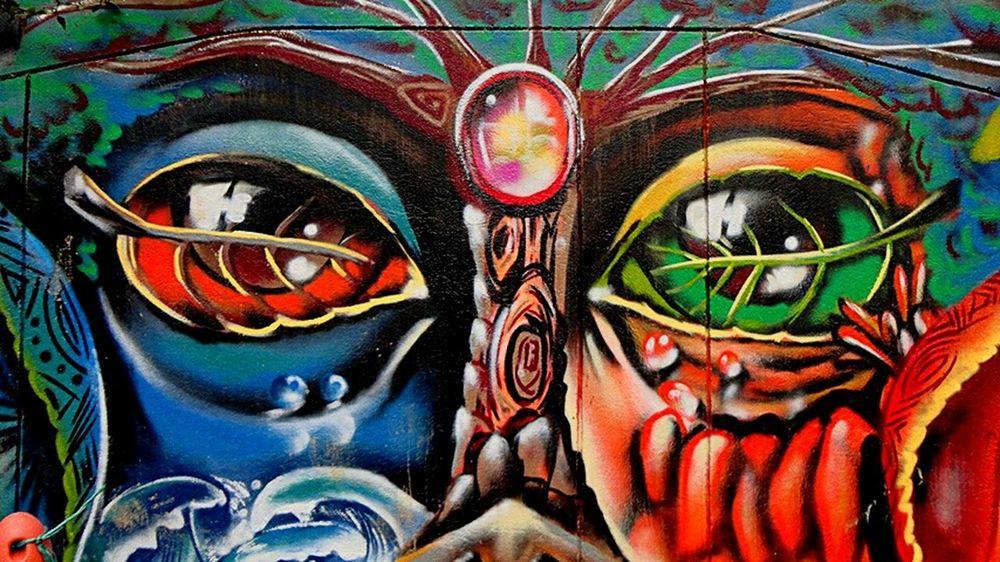 Graffitours Callesdemedellin Comuna 13 Art And Craft Multi Colored