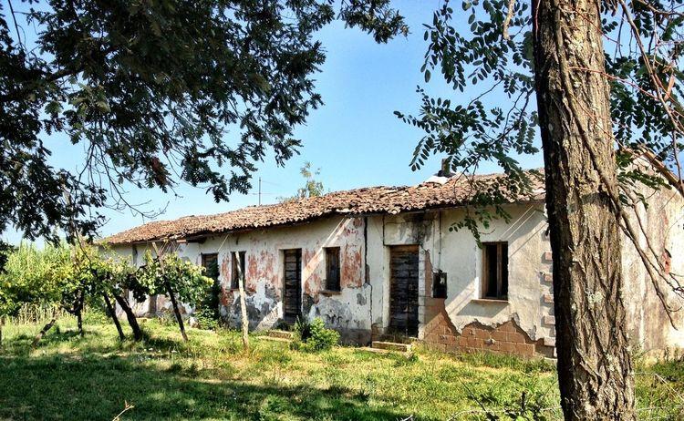 Taking Photos Rural Scenes Abandonedbuilding CiociariaEye
