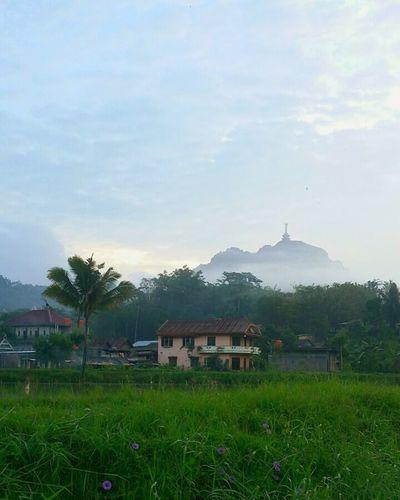 LIKE RIO DI JENEIRO BUT THIS PIC AT Toraja - My Culture Of Indonesia Sulawesi - Indonesia
