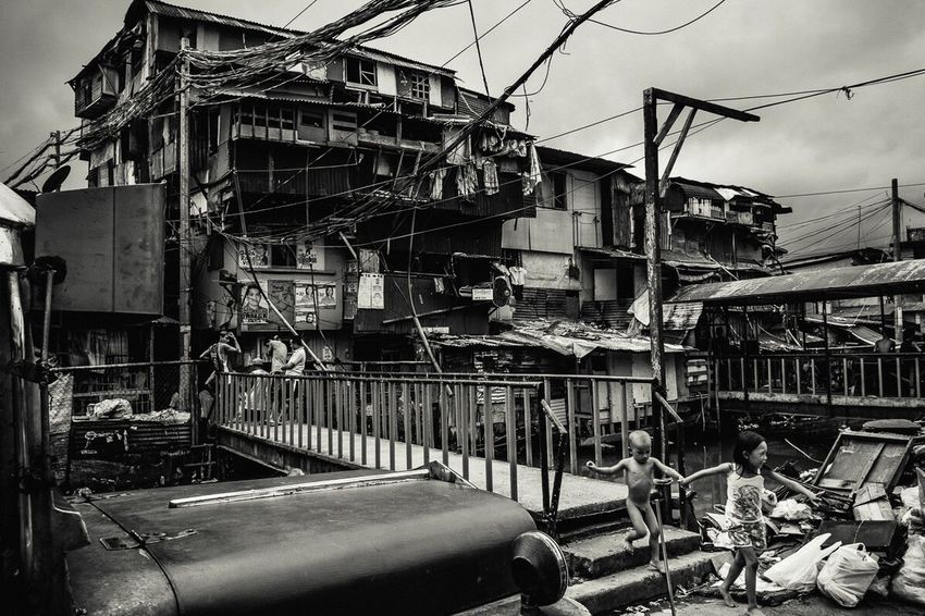 Manila Philippines Bnw City Monochrome ManilaStreetPhotography Building Exterior Children Daily Life Streetphotography Blackandwhite