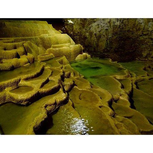 Qui veut se baigner? Chacun sa Baignoire . Grottesdelabalme Grotte Igerslyon mandrin frais speleo