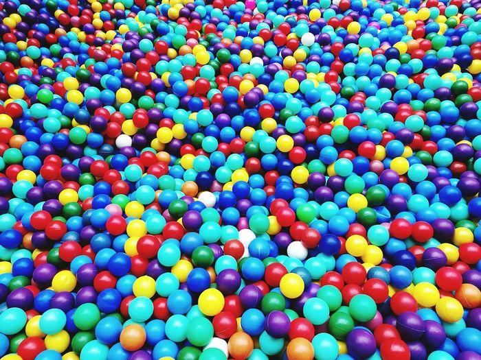 Colour Balls Ball Pit! Abundance Of Colours