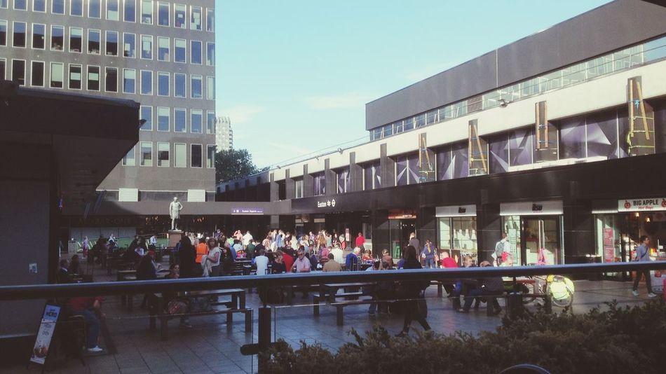 Euston station ... Chilling People-watching Taking Photos United Kingdom
