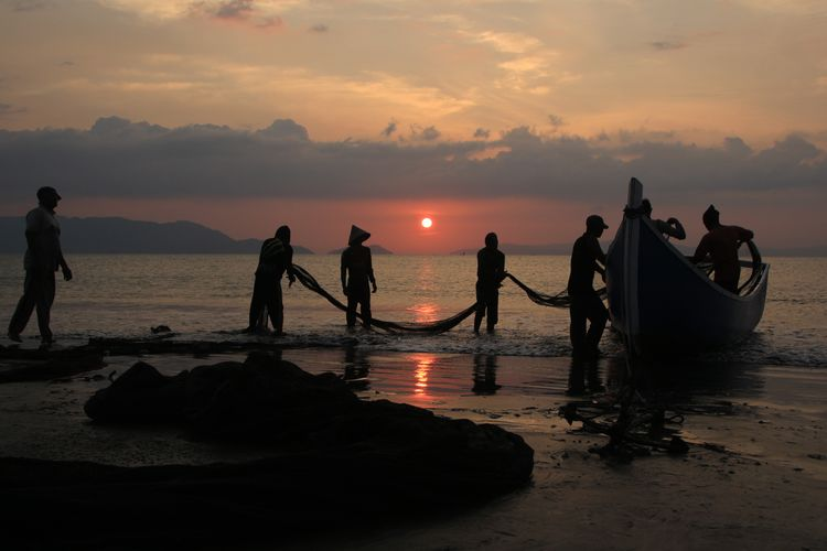 the Fisherman Photography Aceh Culture Aceh Fish INDONESIA Water Nautical Vessel Sea Sunset Beach Fisherman Fishing Net Silhouette Occupation Reflection Fishing Shining Sand Fishing Rod Sun Wave Fishing Industry Commercial Fishing Net Low Tide Shore FootPrint Hooded Beach Chair Crashing Rushing Catch Of Fish