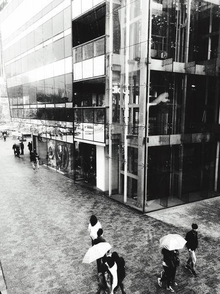 北京也开始老下雨了。 Rain Pekin