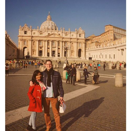 ⛪👫Happy Couple Cathedral Stpeter santpetersantopetrusvaticanitaliaitaly