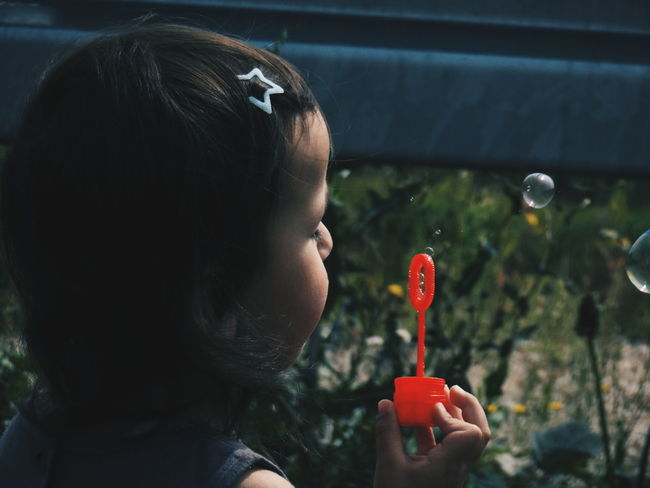Putting a wish in every bubble... 🌌💖🌌 Girl Little Girl Portrait Of Innocence EyeEm Best Shots - People + Portrait EyeEm Best Shots - Macro / Up Close Bubbles Touch Of Light Dreams Making A Wish Summer Views