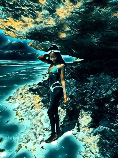 God out the Ocean UnderSea Water Swimming Full Length Underwater Sea Young Women Swimming Pool Beauty Rippled