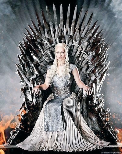The queen ! Gameofthrones Daenerystargaryen Series Dragon