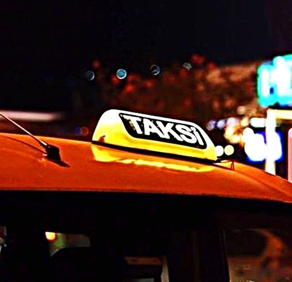 Bi Taksi 🚕👆🏽 Transportation Car Land Vehicle Outdoors No People City Life Night Silhouette Istanbul EyeEm Best Shots Fotografheryerde Kadrajturkiye Fotografdukkanim Kadrajımdanyansıyanlar Photography Sky City Photooftheday Eye4photography  Fujifilm EyeEm Gallery Taxi