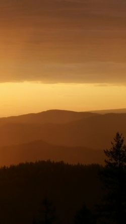 NoEditNoFilter Sunset Sun Skyporn Mountains Mountain Clouds And Sky Evening Sky Sunlight Silhouette