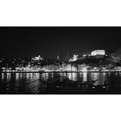 Clérigos à vista ... Vscocam VSCO Vsco_pt Photooftheday Igersportugal Ig_porto Igers_porto Portoenorte Madeinpt Douro  Douroriver Sandeman