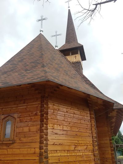 Woodenchurch in Bucharest Romania Church Church Buildings Built Structure Architecture Architecture_collection Building Exterior From My Point Of View Hello World Check This Out Taking Photos Tadaa Community On The Road Drivebyphotography Eyee City View  Churches City View  City View  Urbanphotography Ilovephotography Eyee4photography City View  Building Exterior