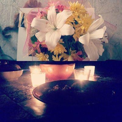 Нам полгода, и Коля порадовал меня вчера вечером новой прической и цветами и устроил ужин при свечах. Позировать он не любит, так что на фото только цветы и ужин ) Date Romantic Flowers Dinner happy nicecouple 6months love loveday