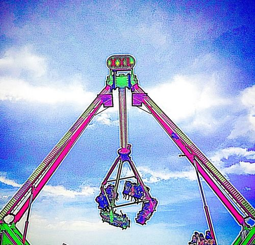 Fairground At The Fun Fair Summer Funfair Ride Funfair Fun Exciting Day Out With Family Rides Attraction Park Theme Park Laughters Screams Joy Happiness Loud Noise Clear Blue Sky Clear Sky Live For The Story
