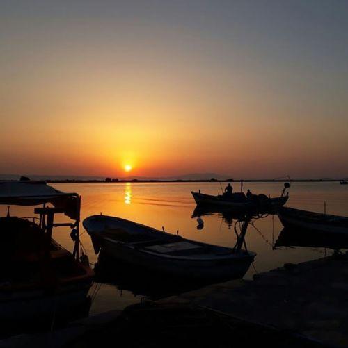 Sunset Sea Reflection Silhouette Beach Scenics Water Beauty In Nature Sun Nature