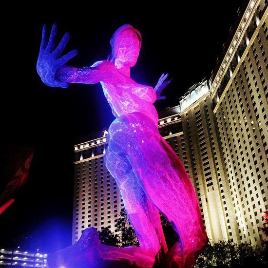 Stop the madness.. AND DANCE! Blissdancesculpture Las Vegas Thepark