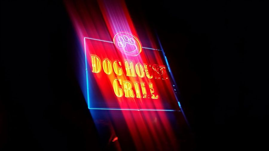 Dog House Grill Neon Sign Red No People Illuminated Night Neon California USA Fresno  Fresno Ca Grilling Sports Bar Restaurants Tri-Tip Sandwich Blue Dog Dog Paw Dog Paws Lighting Signage Neon Lights Neon Sign Neon Color Neonlights Neon Light Neonlight Neonporn