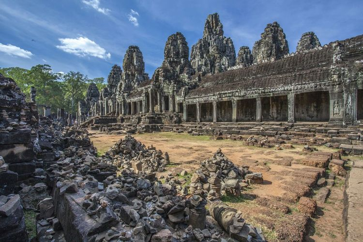 Bayon Temple Cambodia Siem Reap Siem Reap Buddhist Buddhist Temple Taking Photos Traditional Ruins