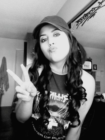 metallica for the soul Relaxing Taking Photos Chillin Metallica Peace ✌ Gpoy Selfie Pothead Stoner Stonergirls