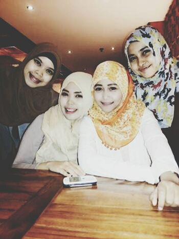 Hijab Style Girls My Bestfriends Hanging Out