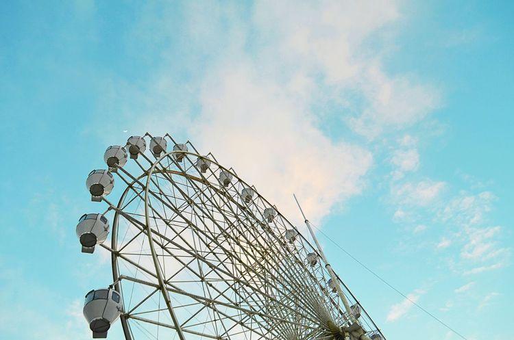 Round and around and around and around we go. Sky Blue Sky Tagaytay Photooftheday Philippines Bestoftheday Fotografia Vscocam VSCO Eye4photography  Instagood EyeEm Best Shots Vscophile Eyeem Philippines Vscogood VSCOPH Vscohub Vscogrid Vscophilippines Skyranch Ferris Wheel Cavite
