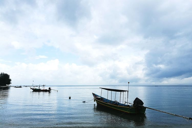 Nautical Vessel Sea Transportation Tranquility Mode Of Transport Water Beach Cloud - Sky Nature Horizon Over Water Reflection Scenics Outdoors Tranquil Scene Ship No People Moored Sky Beauty In Nature Day