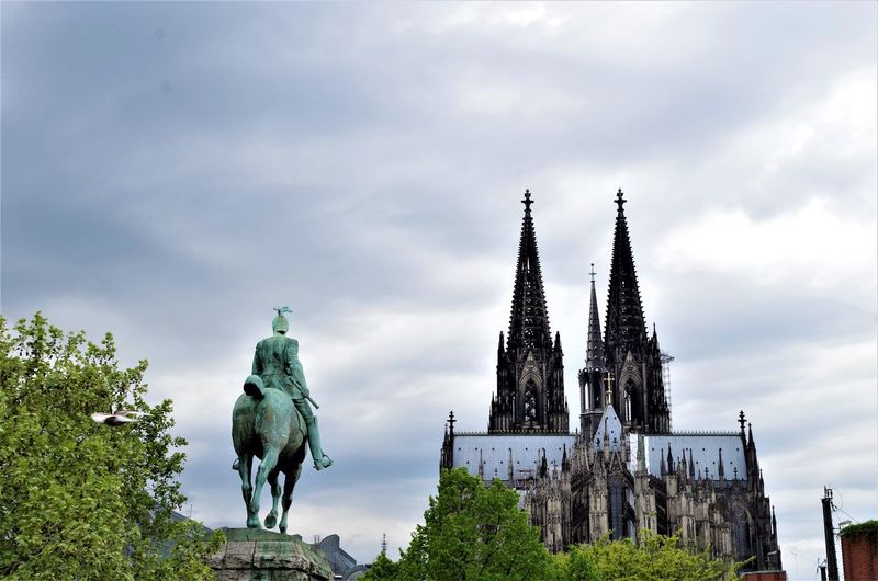 Kölner Dom Cathedral Cologne Kölner Dom Ancient Civilization Animal Themes Architecture Building Exterior Built Structure City Cloud - Sky Cologne Cathedral Day Gargoyle History Low Angle View Nature No People Outdoors Sculpture Sky Statue Travel Destinations Tree