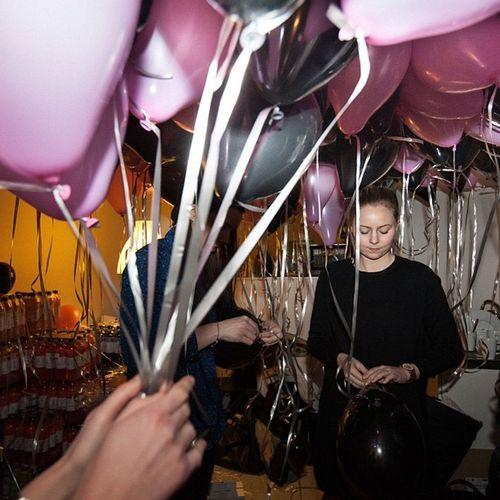 Blowing up balloons at Envii