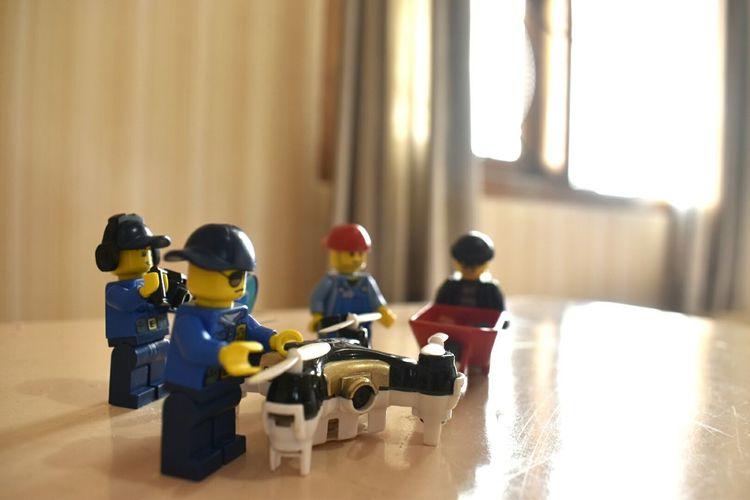 Nikon D5500 Kitlens Legominifigures Repairing Minidrones EyeEmNewHere Close-up