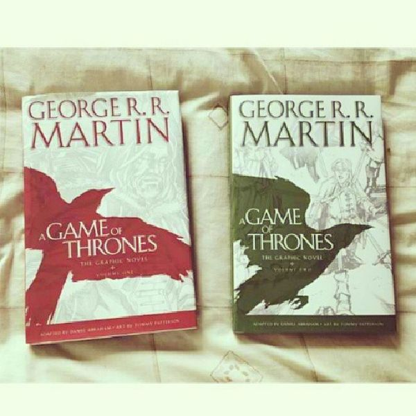 These two thingy here give me reasons to visit @_fullybooked sometime this week. Such a food for the brain and to help me sustain my addiction to this series! ❤ Gameofthrones Paperback Fullybooked Lookingforward foodforthebrain musthave