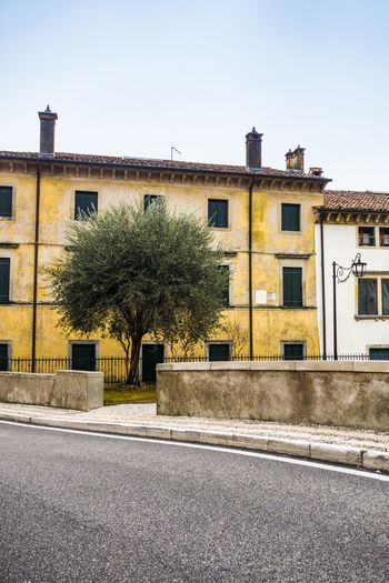 Architecture Building Exterior Built Structure Clear Sky Day Italia Architecture Italian Houses Italy Italy❤️ No People Old Buildings Old But Awesome Outdoors Road Tree In City Vittorio Veneto