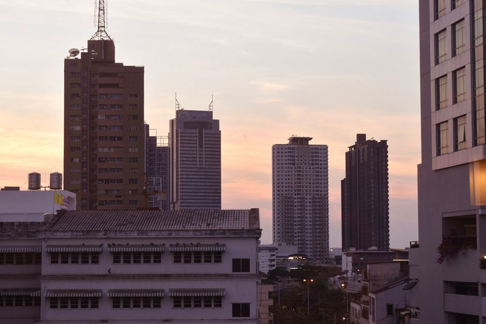 Evening sun in Bangkok Sunset Evening Skylovers Skyscraper Sky_collection Office Business Office Building Tower Construction Dramatic Sky Communications Tower Romantic Sky Downtown Building Story The Street Photographer - 2018 EyeEm Awards