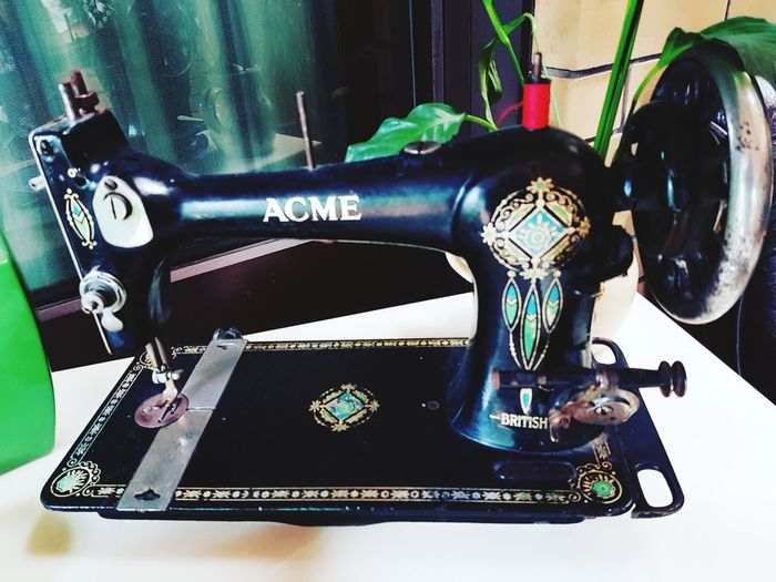 Old-fashioned Gramophone Sewing Machine Retro Styled No People Close-up Indoors  Typewriter Day