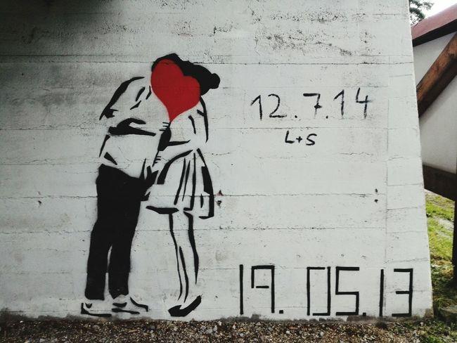 Streetart Street Art Love Love ♥ Mural Mural Art Graffiti Graffiti Art Oldschool Uraban Urban Art Grey Beton Initials Date Date Night Datenight Dress Dreaming Girl Boy Couple People Together Kiss Kissing